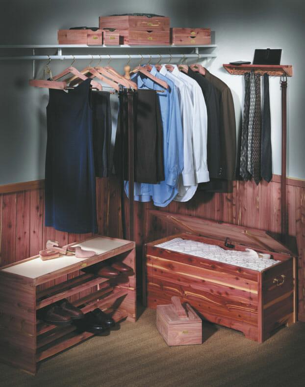 Garderoba w drewnie cedrowym