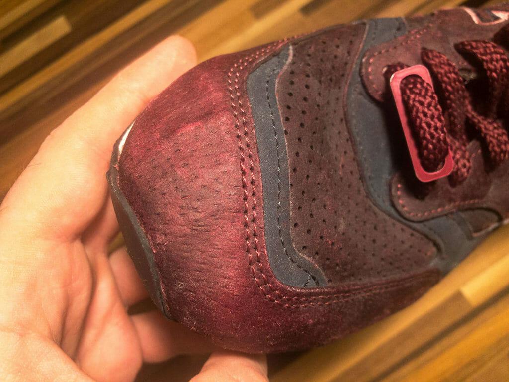 Zniszczone buty