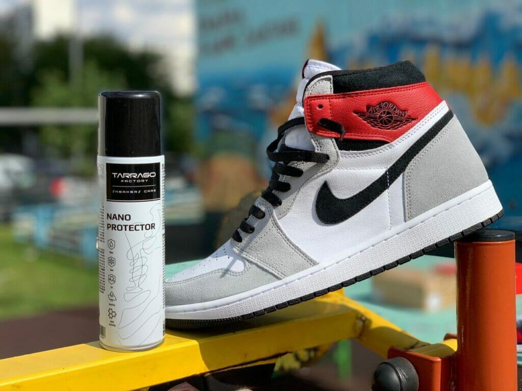 środki do czyszczenie i pielęgnacji sneakersów air jordan 1 retrro high smoke grey tarrago