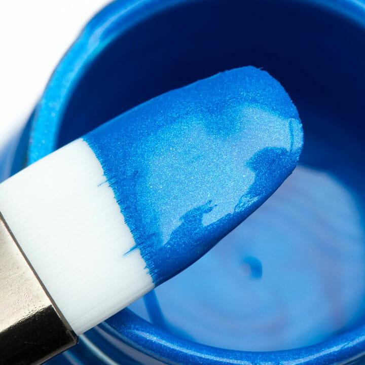 Niebieska akrylowa farba do personalizacji sneakersów