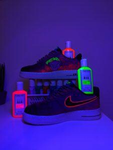 Farby akrylowe, które świecą w ciemności