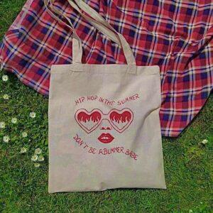 Custom torebki, malowanie farbami do tkanin