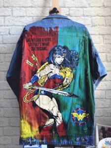 Wonder women custom jeans - rękodzieło, malowanie ubrań